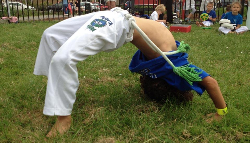 Planeta_Capoeira_les_jeugd_2014_bruggetje